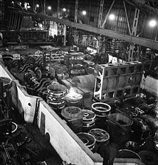 Cecil Beaton Photographs- Tyneside Shipyards, 1943 DB6.jpg