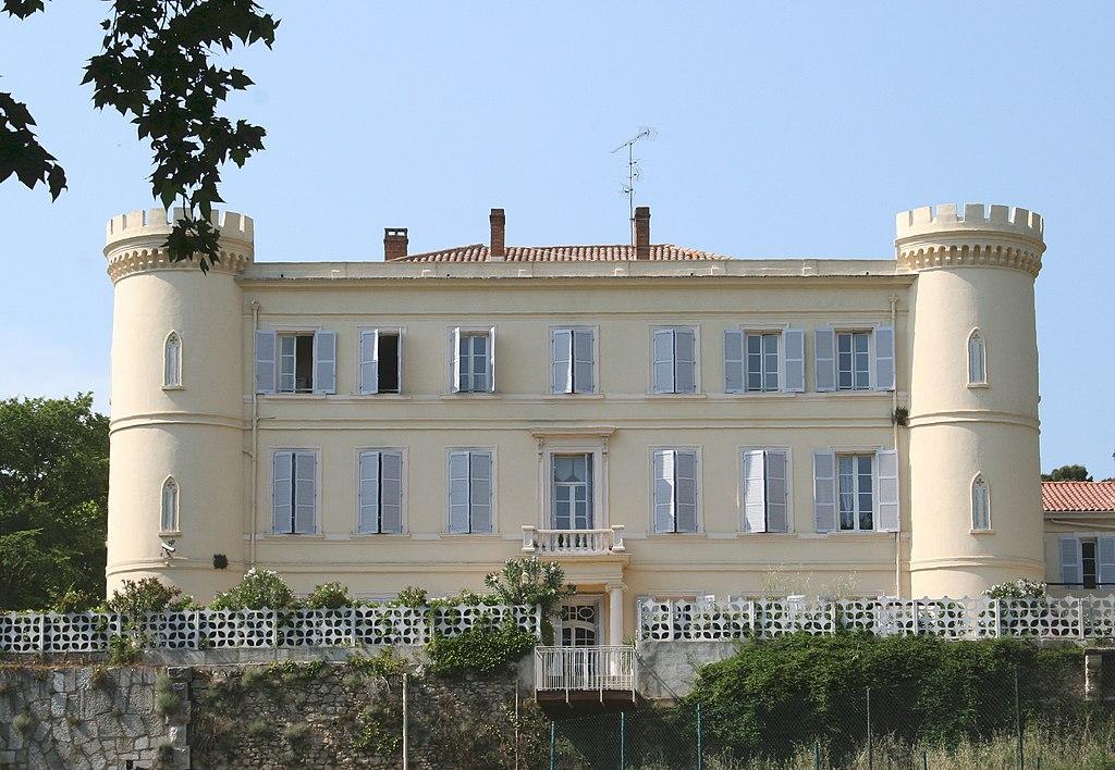 Château-de-la-Reynarde.jpg
