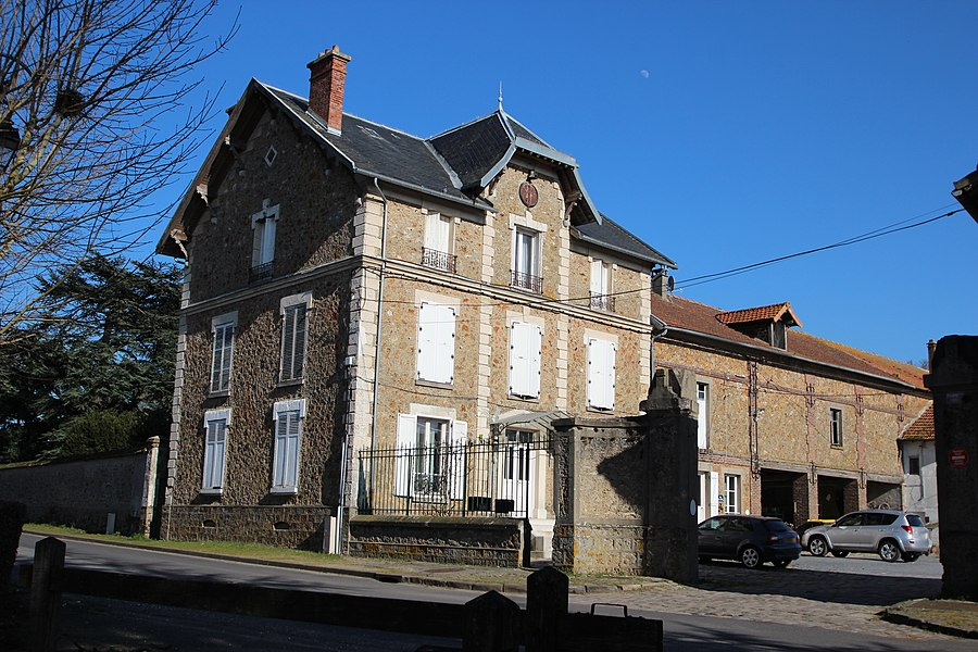 View of Châteaufort, Yvelines, France.