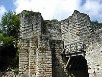 Chateau-Thierry castle entrance.jpg
