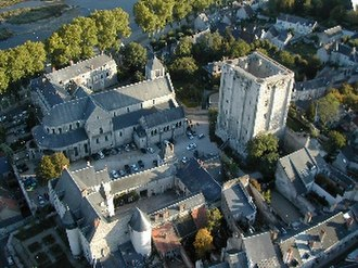 Loire Campaign (1429) - The Castle at Beaugency still stands today.