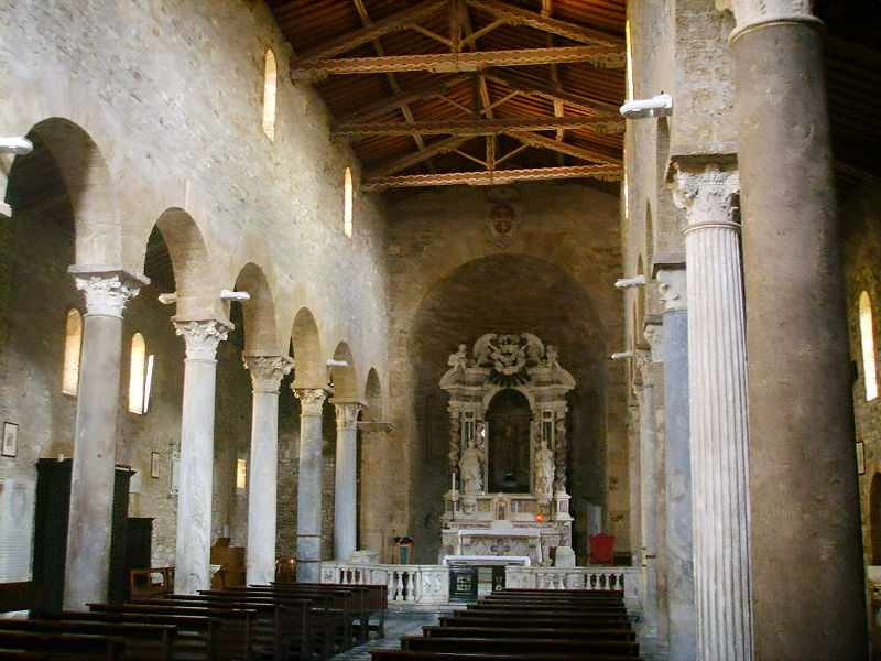 File:Chiesa di san sisto, pisa interno.JPG