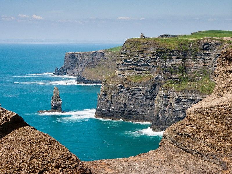 Cliffs of Moher bei bestem Wetter (2007).jpg