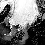 Columbia Glacier, Calving Terminus and Calving Distributary, October 20, 1979 (GLACIERS 1158).jpg