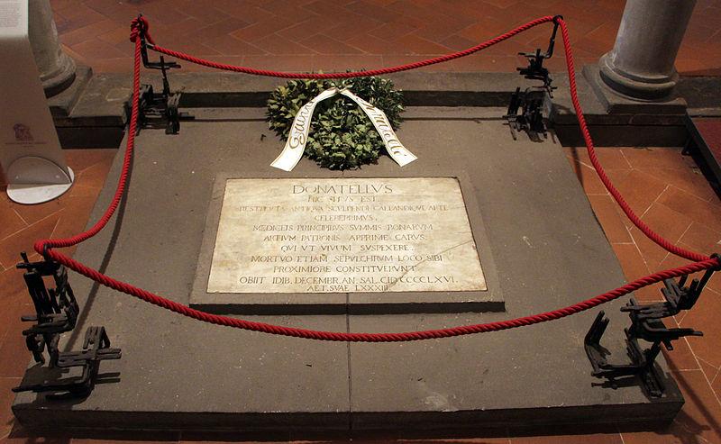 File:Cripta di san lorenzo, tomba di donatello 01.JPG