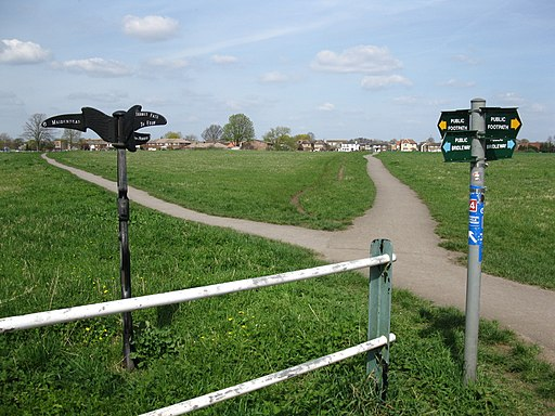 Cycle paths and footpaths near Eton Wick - geograph.org.uk - 1804161