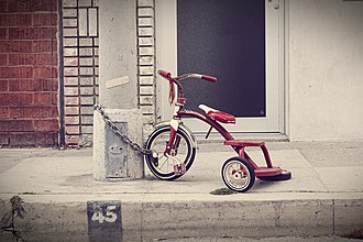 Radio Flyer - Image: Damaged(yet Chained)Red Trike