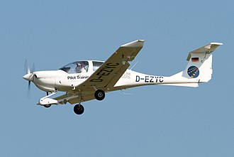 Diamond DA40 - Image: Diamond DA40 (8736184864)