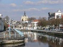 Douai - Scarpe et clocher de la collégiale Saint-Pierre.JPG