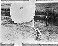 Duitse parachutisten landen in Nederland op 10 mei 1940, Bestanddeelnr 917-7046.jpg
