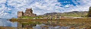 Eilean Donan Castle Panorama.jpg