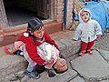Enfants de Bungamati, village newar (Népal) (8629056670).jpg