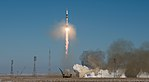 Expedition 54 Launch (NHQ201712170006).jpg