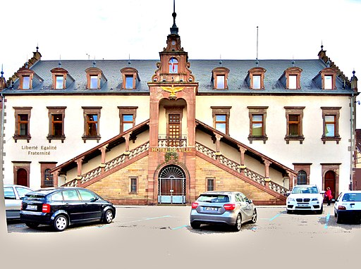 Façade de la mairie. de Soultz Haut-Rhin