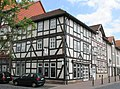 Fachwerkeckhaus des 17. Jh. an der Ecke Gebrüderstraße-Hospitalstraße - Eschwege - panoramio.jpg