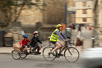 Trailer bike - Image: Family Ride bicycle cycle trailer