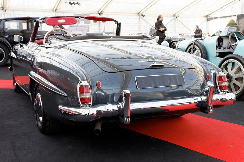 file festival automobile international 2011 vente aux ench res mercedes benz 190 sl 1961. Black Bedroom Furniture Sets. Home Design Ideas
