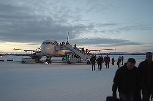 Finnair A320 at Kittilä Airport.jpg