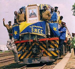 Le premier train de Lubumbashi arrivant à Kindu après la rénovation de la ligne en 200x.