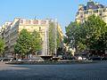 Fontaine-place-Victor-Hugo-(Paris).JPG