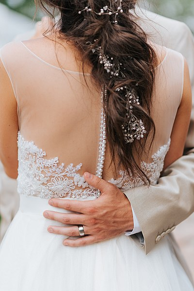 File:Fort Collins wedding embrace (Unsplash).jpg