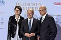 Frauke Gerlach, Olaf Scholz, Joachim Knuth - Deutscher Radiopreis 2016 02.jpg