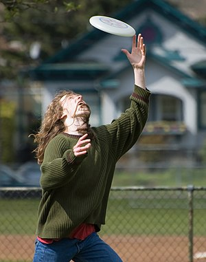 Player catches frisbee