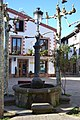 Fuente plaza de la vendimia, Ezcaray - panoramio.jpg