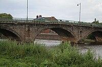 Gainsborough Bridge (Geograph 484925).jpg