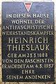 Gedenktafel Warschauer Str 60 (Friedh) Heinrich Thieslauk.jpg