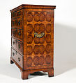 George III Oyster Burl Yew wood Chest Of Drawers 01.jpg