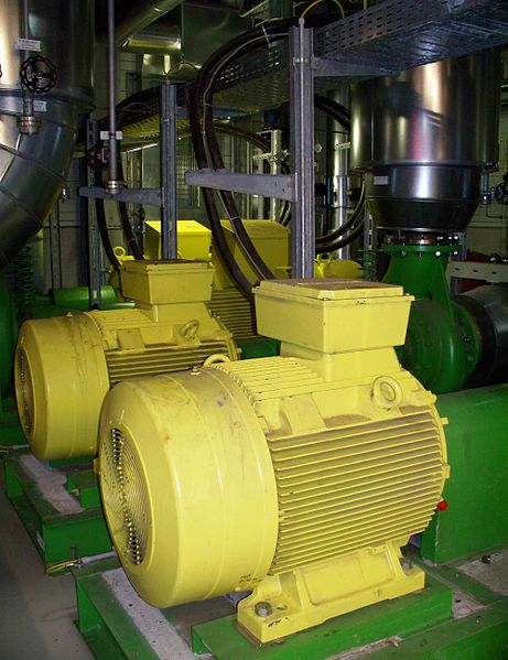 File:Geothermiekraftwerk Unterhaching - Fernwärmepumpen.JPG