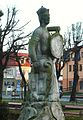 Gostynin, Rynek, pomnik.JPG