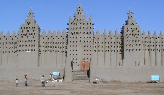 Great Mosque of Djenné 3 (cropped)