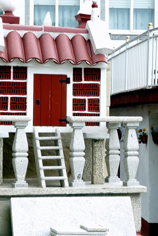 Hórreo ornamental, Porto do Son