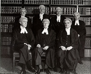 Frank Kitto - High Court in 1952, Kitto far right, back row