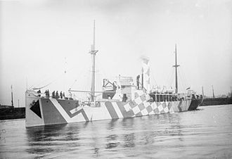 HMS President (1918) - Flower-class Q-ship in dazzle camouflage