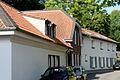 Haeuser Oberdorfstrasse 38, 40 und 40b in Duesseldorf-Kalkum, von Suedwesten.jpg