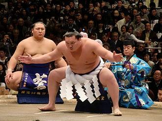 Hakuhō Shō - Hakuhō performs the Shiranui style dohyō-iri.