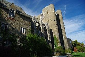 Hammond Castle - Image: Hammond castle back