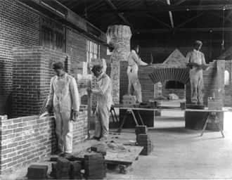 Hampton University - Students in an 1899 bricklaying class