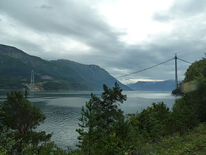 MT Højgaard - The Hardanger Bridge being built by MT Højgaard