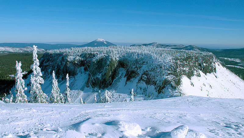File:Hayrick Butte in the Winter.jpg