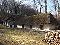 Heiligenbrunn mit strohdach.JPG
