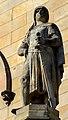 Heinrich der Löwe (1129-1195), Herzog von Sachsen und Bayern, Sandsteinskulptur über dem Hauptportal des Welfenschlosses in Hannover, Entwurf Prof. Wilhelm Engelhard, um 1862.jpg