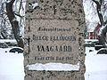 Helge Ellingsen Vaagaard ved Norderhov kirke.jpg
