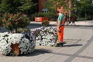 Garden hose - Image: Herten Kurt Schumacher Straße Rathaus 05 ies