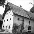 """Hiša """"s konca"""" in """"pərton"""" z leta 1852, Bukovo 1954.jpg"""