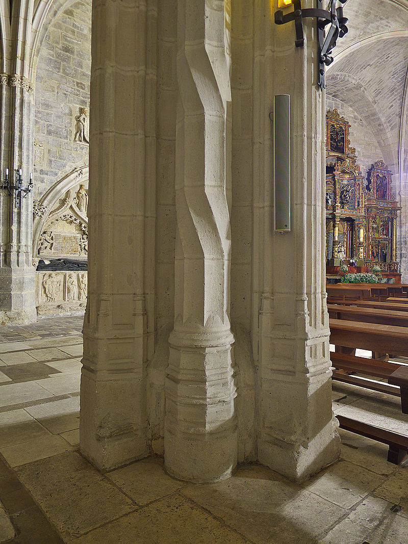 Iglesia de San Nicolás de Bari (Burgos). Pilar.jpg