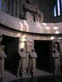 In der Krypta des Völkerschlachtdenkmals Leipzig mit Totenwächter September 2005.JPG